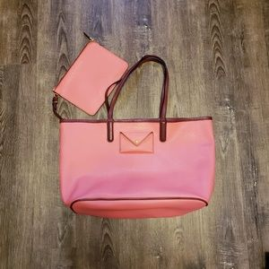 MARC BY MARC JACOBS METROPOLITOTE 48 LEATHER TOTE